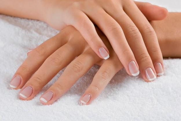 Castor oil for nails