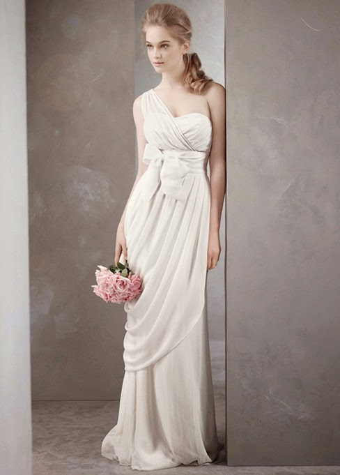 Buxom You Want Wedding Look Slimmer Number Suggest That Choose A Simple Straight Line Cutting And The Dress Self Cultivation Style Will Make
