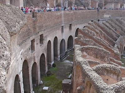 L'intérieur du Colisée de Rome (3)