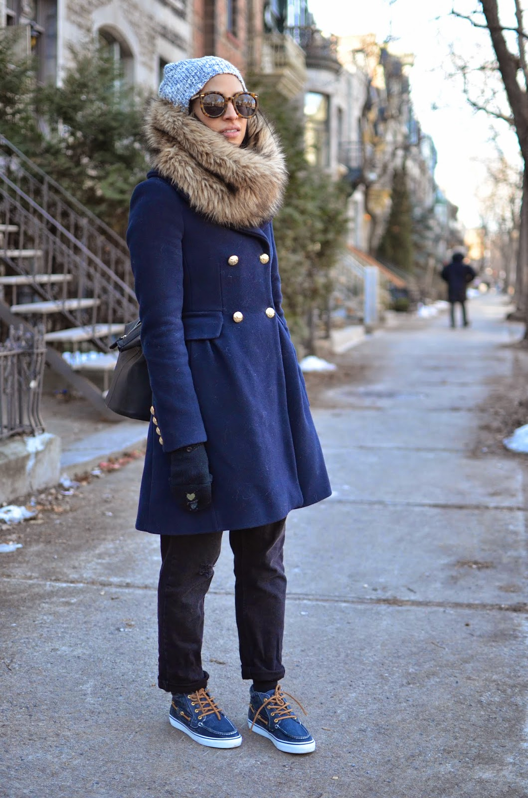 SF style in Montreal, Sperry Top Sider, OOTD, fur infinity scarf
