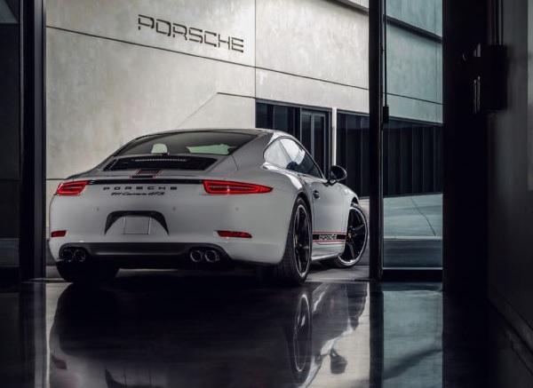 Porsche 911 Carrera GTS Rennsport Edition