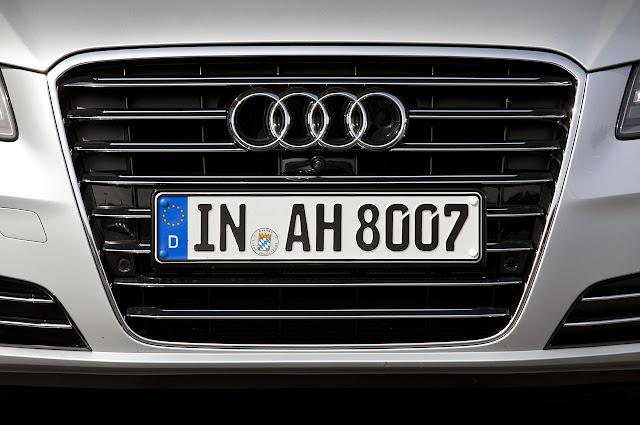 значек ауди Audi A8 Hybrid 2012 года