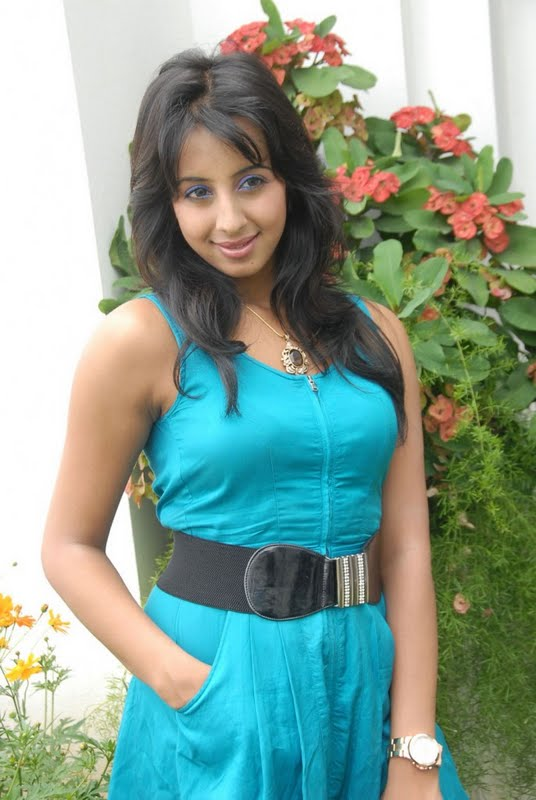 Kannada Mallu Actress Sanjana Latest Spicy PicturePhotos wallpapers