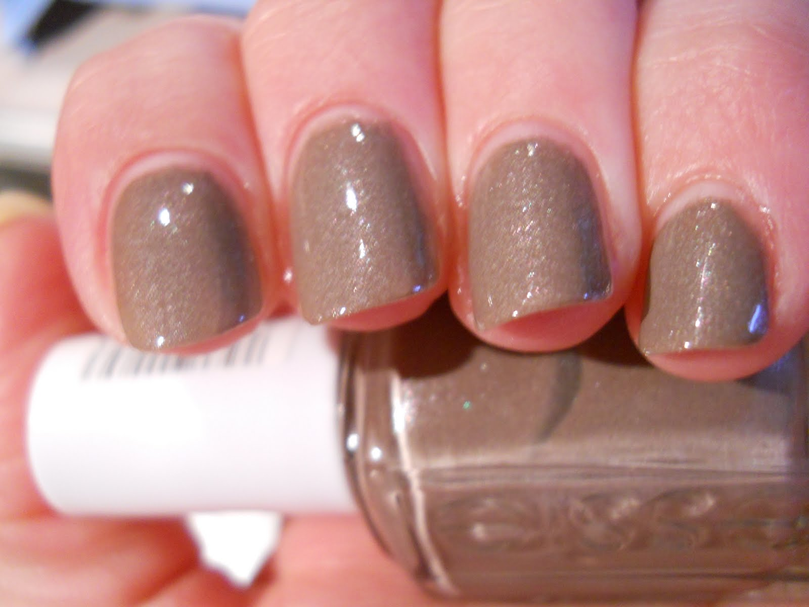 Ali\'s Nail News: $OPI Traffic Stopper Copper and Essie Mochachino
