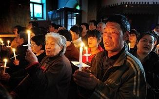 """China: Recompensă de mii de dolari celor care raportează creștinii și bisericile """"ilegale""""..."""