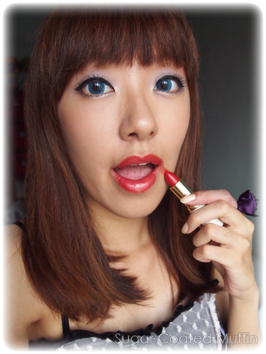 Wrong way to apply red lipstick