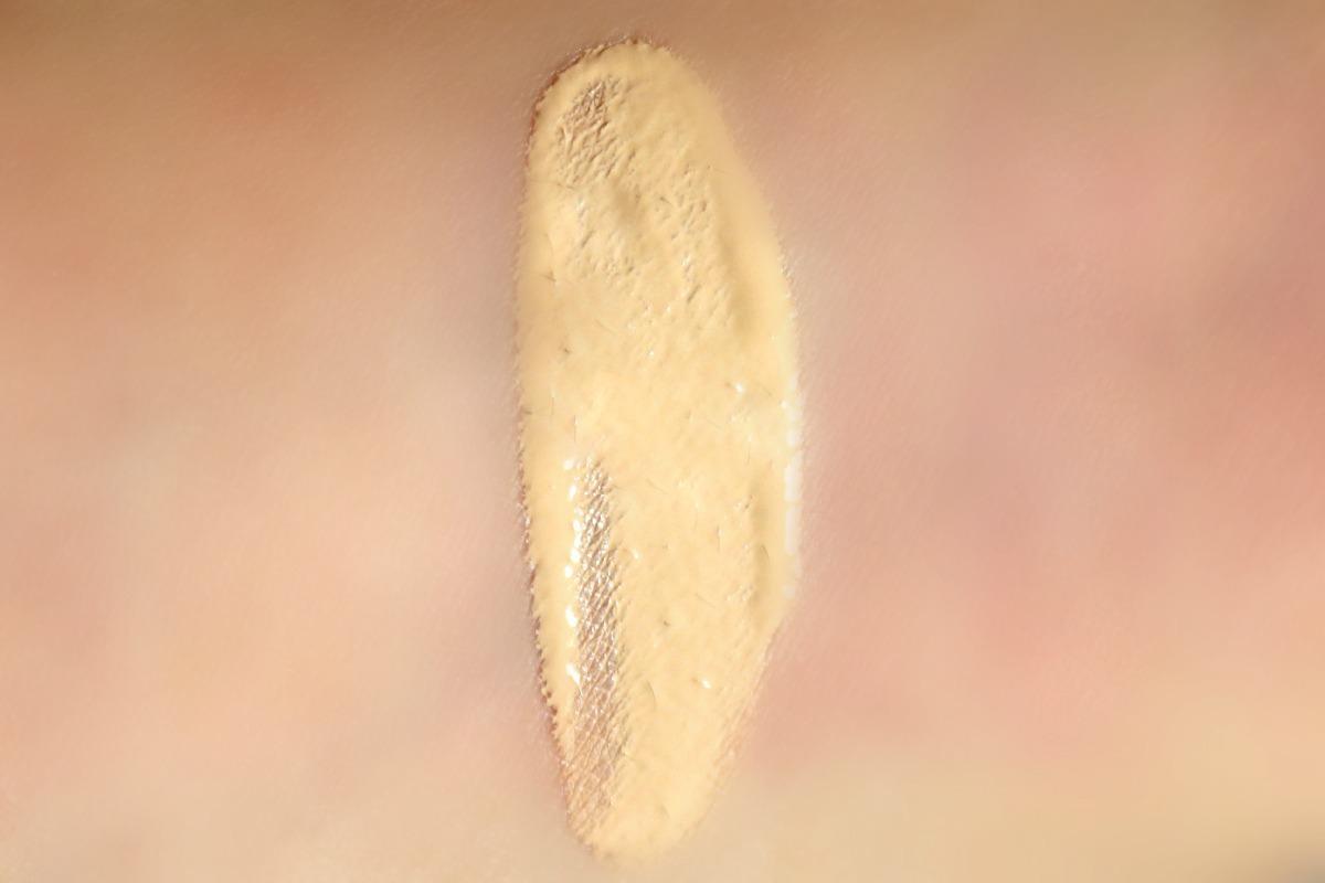 Bourjois 123 Perfect CC Cream (swatch)