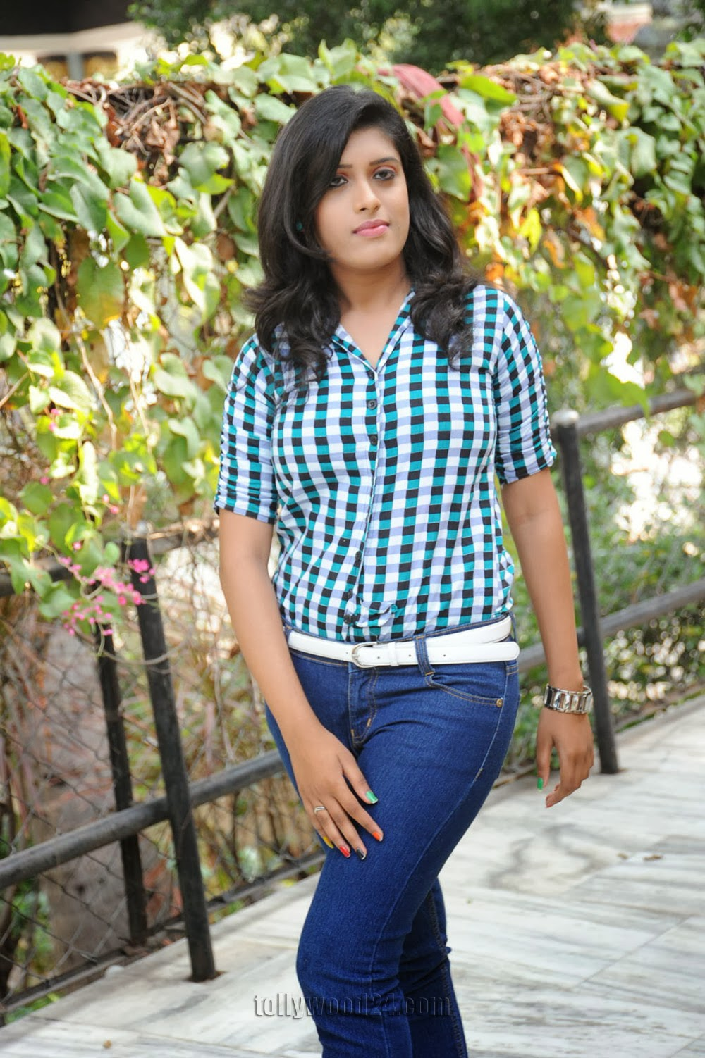 Liza reddy glam pix in jeans-HQ-Photo-6