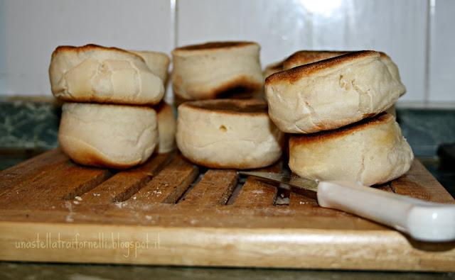 old fashioned english muffins di lorraine pascale per lo starbooks redone di gennaio
