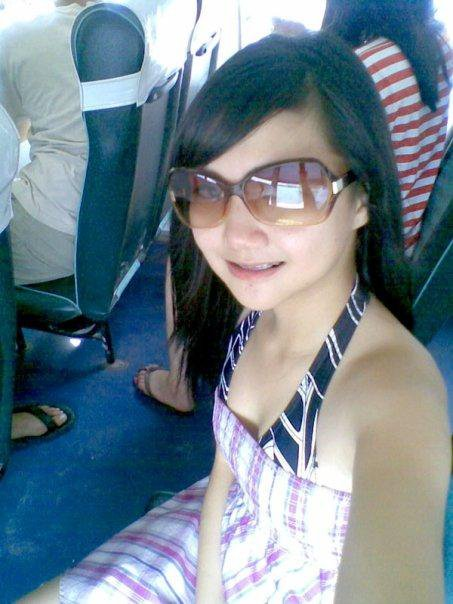 Vani, cewek IGO yang bikin heboh facebook karena foto narsis Bikininya