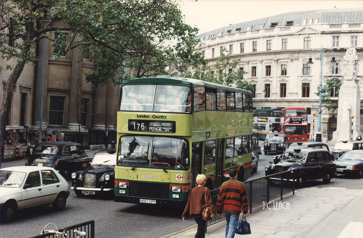 Busworld Photography: H667 GPF: London & Country brings ...
