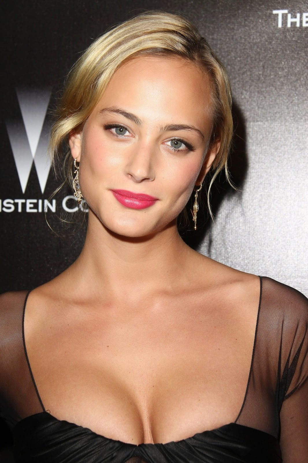 Hot Nora Arnezeder naked (19 photos), Twitter