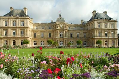 http://2.bp.blogspot.com/-SZ4XcDe3dtI/ToU9DrrJhyI/AAAAAAAAB2Y/Thim69y9R3o/s1600/luxembourg-gardens-paris-f1251.jpg