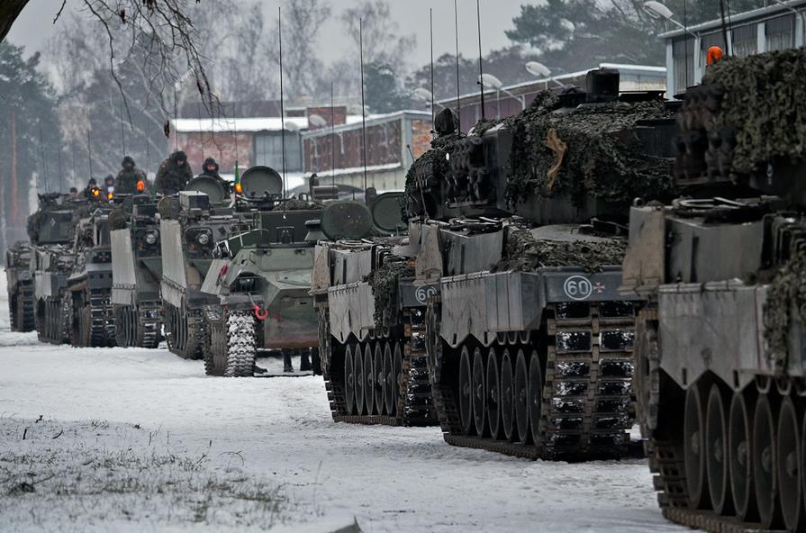 http://2.bp.blogspot.com/-SZCsBnA_aJU/UP1lmKbZ9QI/AAAAAAAABpo/u15cqtDFSRs/s1600/Polish+armor.jpg