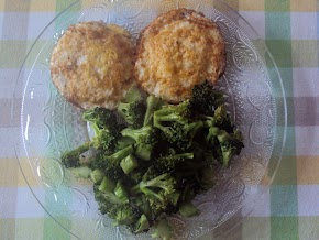 eating broccoli for my breakfast...... do you want to adopt brococli for your daily meal ? Do it now...