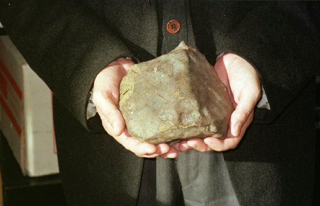 Un meteorito hallado por dos españoles revela nuevas informaciones sobre Marte