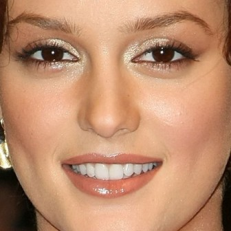 dientes Leighton Meester