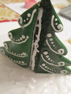 3D Christmas tree gingerbread cookie by Tunde Dugantsi