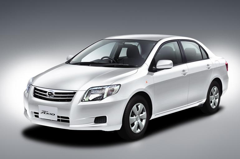 Toyota Corolla Axio 2012 最新の価格