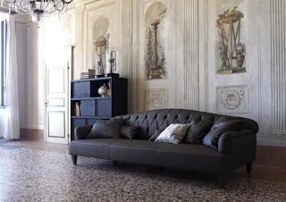 foto de sala con sofa de cuero