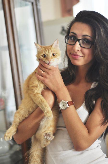 Karina Lilac deviantart fotografia modelo Diana com óculos linda