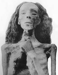 Mumi Ratu Tiye