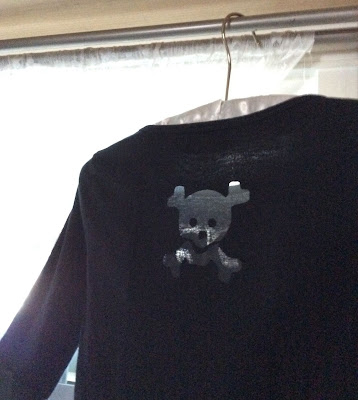 Sizzix die cut skull shirt Halloween stefanie Girard