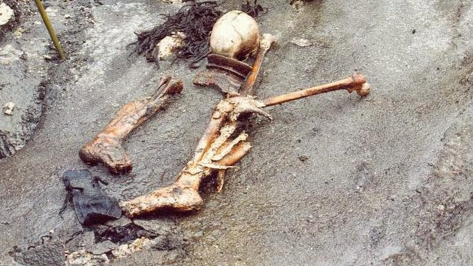 The well preserved skeletons in Roopkund Lake
