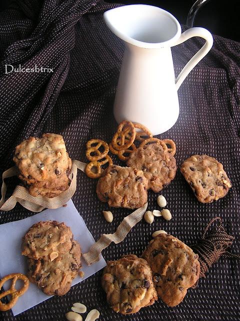 Galletas de pretzel, maní y chocolate