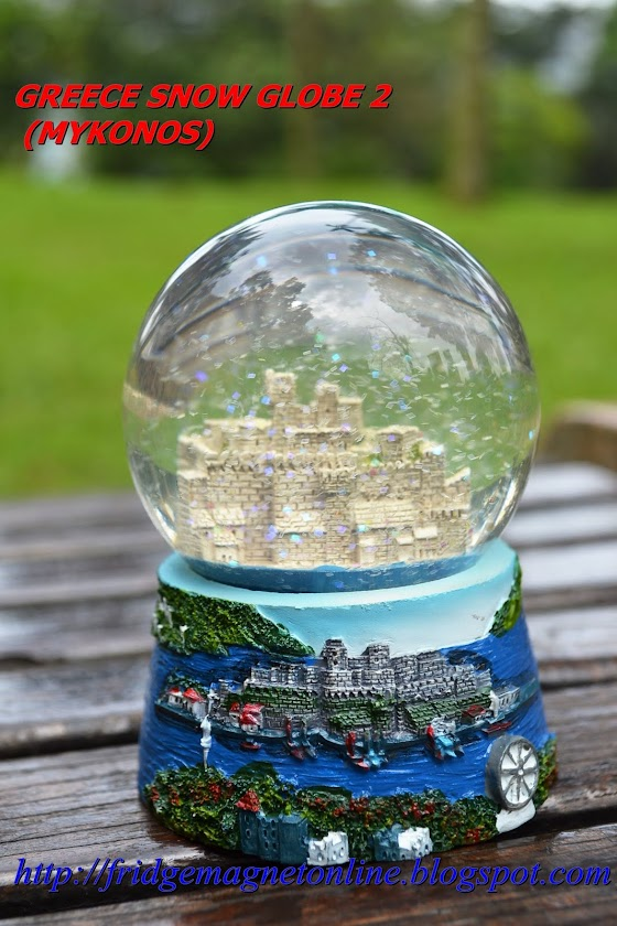 Water globe-Price between rm20-rm39.90