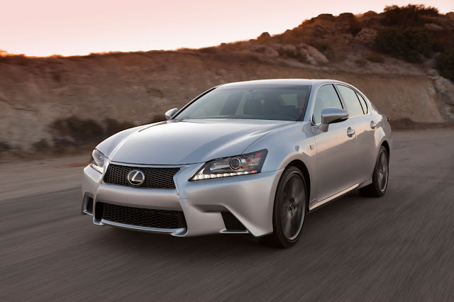 Front 3/4 view of  2015 Lexus GS 350 F SPORT