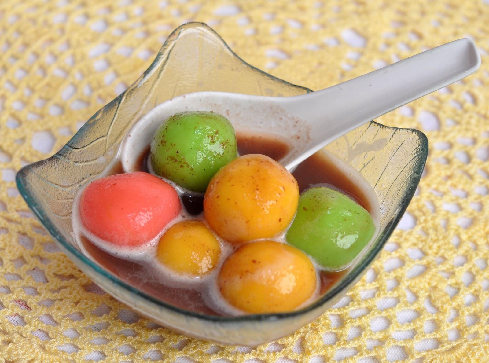 Veronica's Kitchen: Dumplings in Red Bean Soup