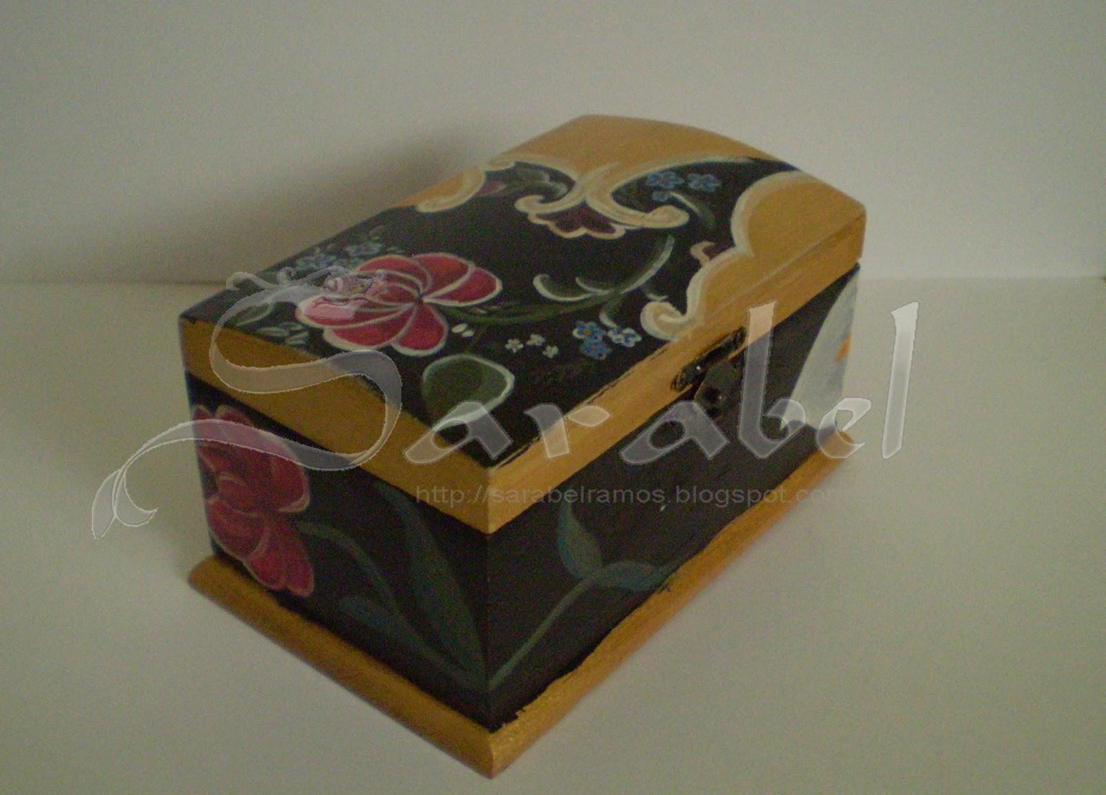 Joyero artesanal pintado a mano rosas y tulipanes - Baules pintados a mano ...