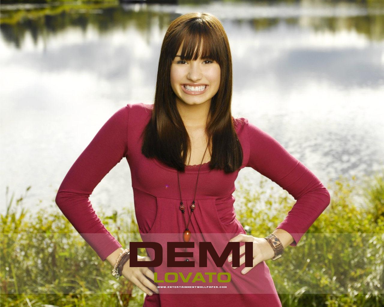 http://2.bp.blogspot.com/-S___up9h-FI/TrtWnveDn7I/AAAAAAAAAME/8bpsb_Q60Is/s1600/Demi+Lovato+Wallpaper+%25287%2529.jpg