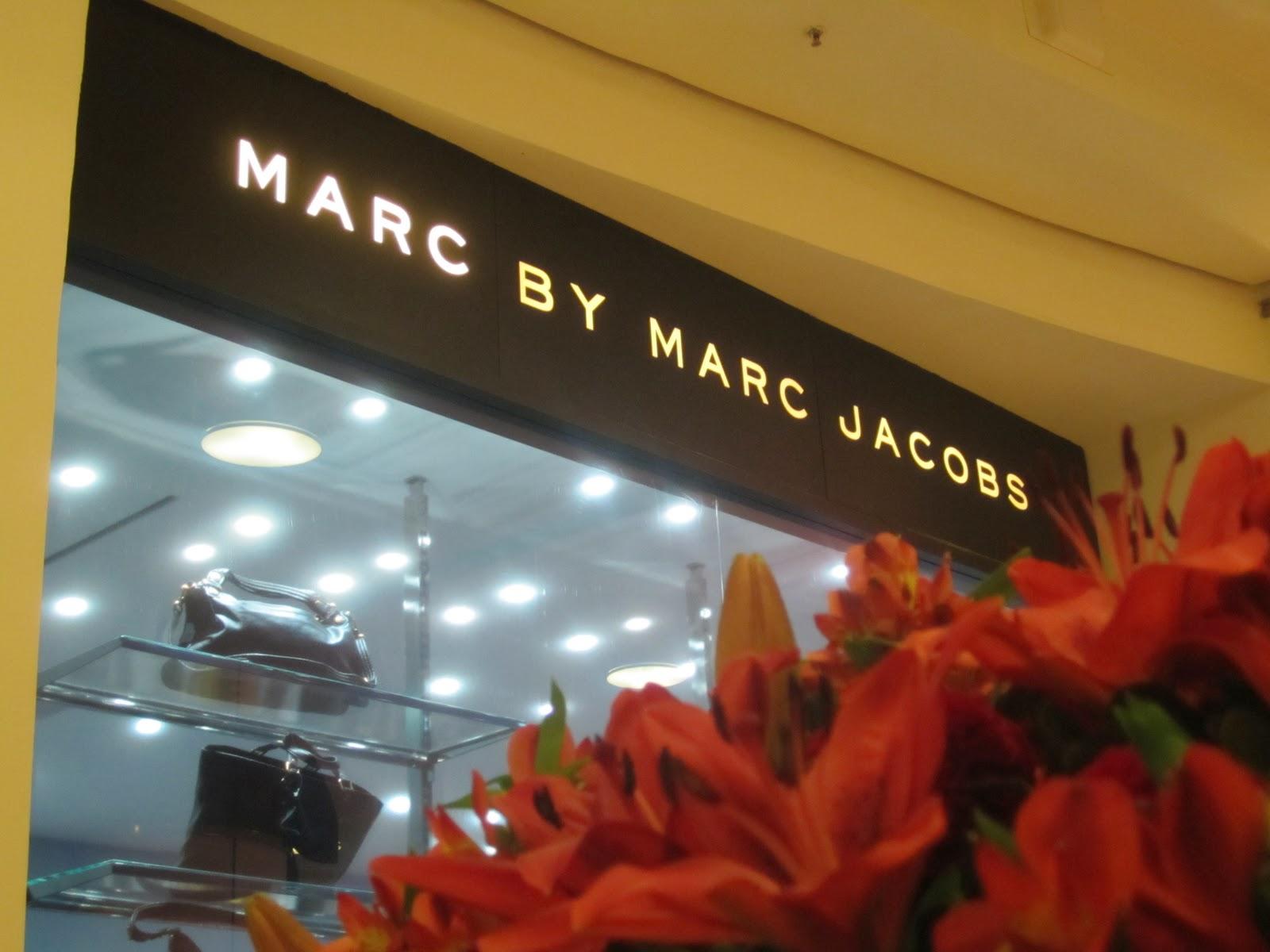 Marc Jacobs ganhou loja no Brasil em 2009, em espaço acoplado à NK Store de  Natalie Klein, nos Jardins, em São Paulo. A inauguração do novo ponto de  venda ... b5cd2913fa