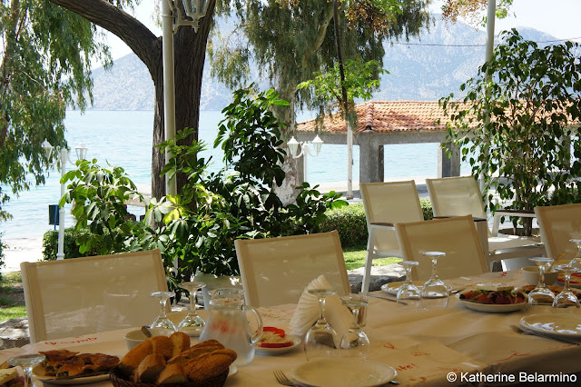 Lunch at Le Perroquet Piralia Distomou Central Greece Attractions
