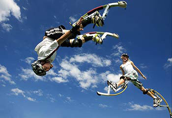 Skyrunner, Kangaroo Shoes, Jumping Stilts, Powerisers, Fly Jumpers, new outdoor games, malaysia hottest sport, game outdoor 2011