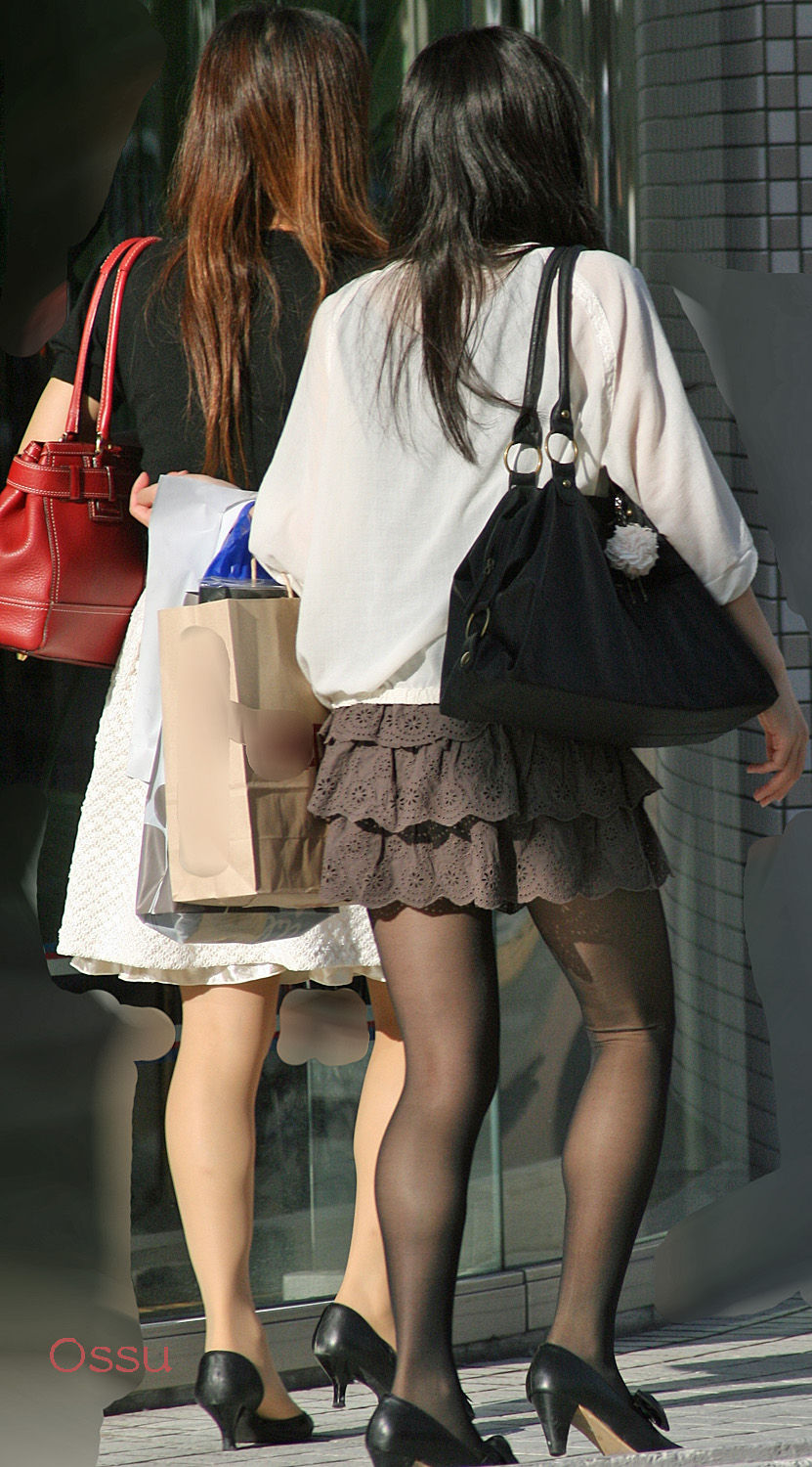 2 candid women legs feet pantyhose nylons lunchtime - 2 9