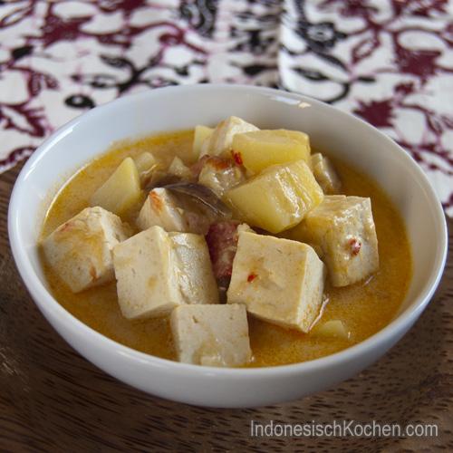 indonesische Sayur Tofu mit Kartoffeln rezept