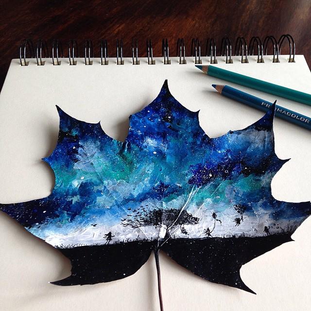 Artista usa hojas otoñales como lienzos para sus delicados pinturas