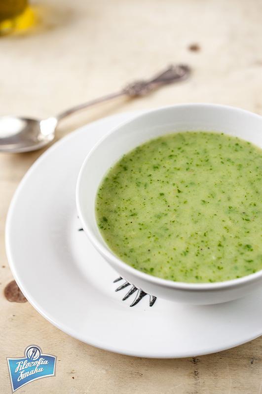 Zupa ze szpinakiem i porami