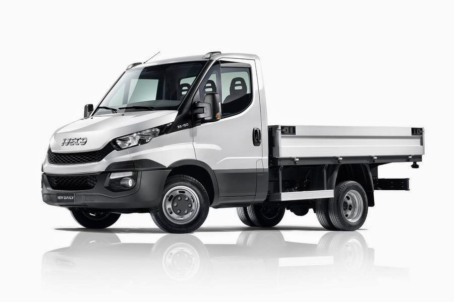 2014 iveco daily launched in europe autoesque. Black Bedroom Furniture Sets. Home Design Ideas