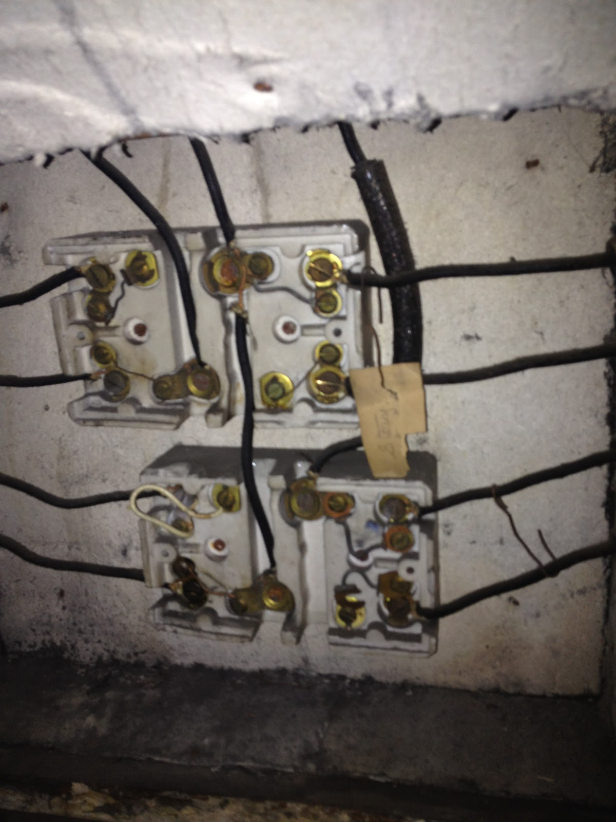 GEN3 Electric (215) 352-5963: Before there were fuses!!