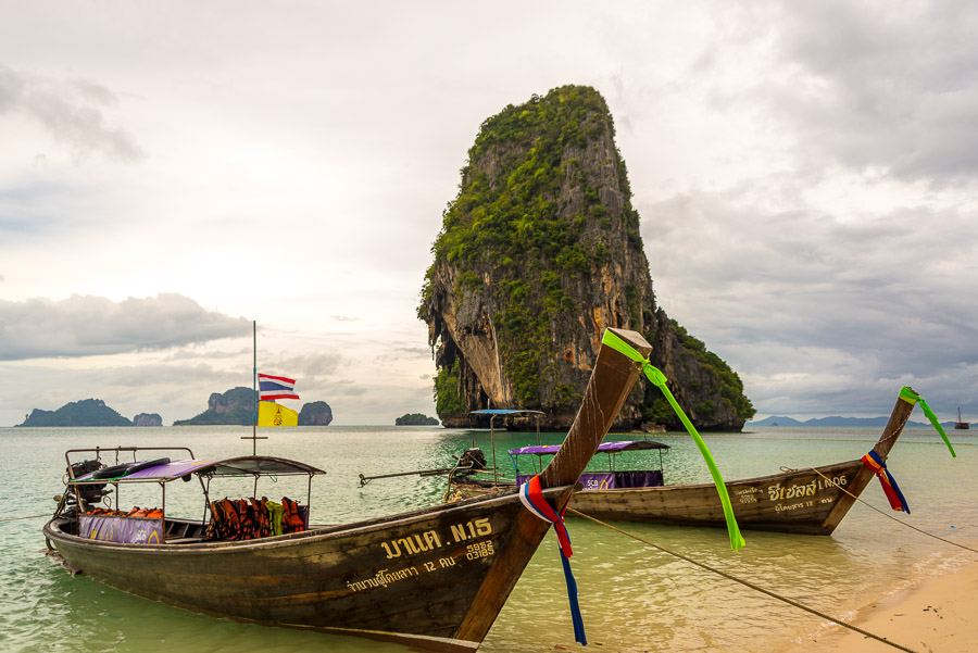 Railay. Journey to the lagoon