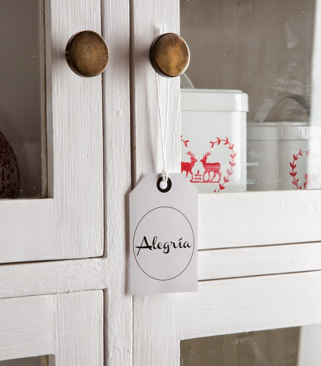 diy-un-arbol-de-navidad-de-estilo-nordico-etiquetas-personalizables
