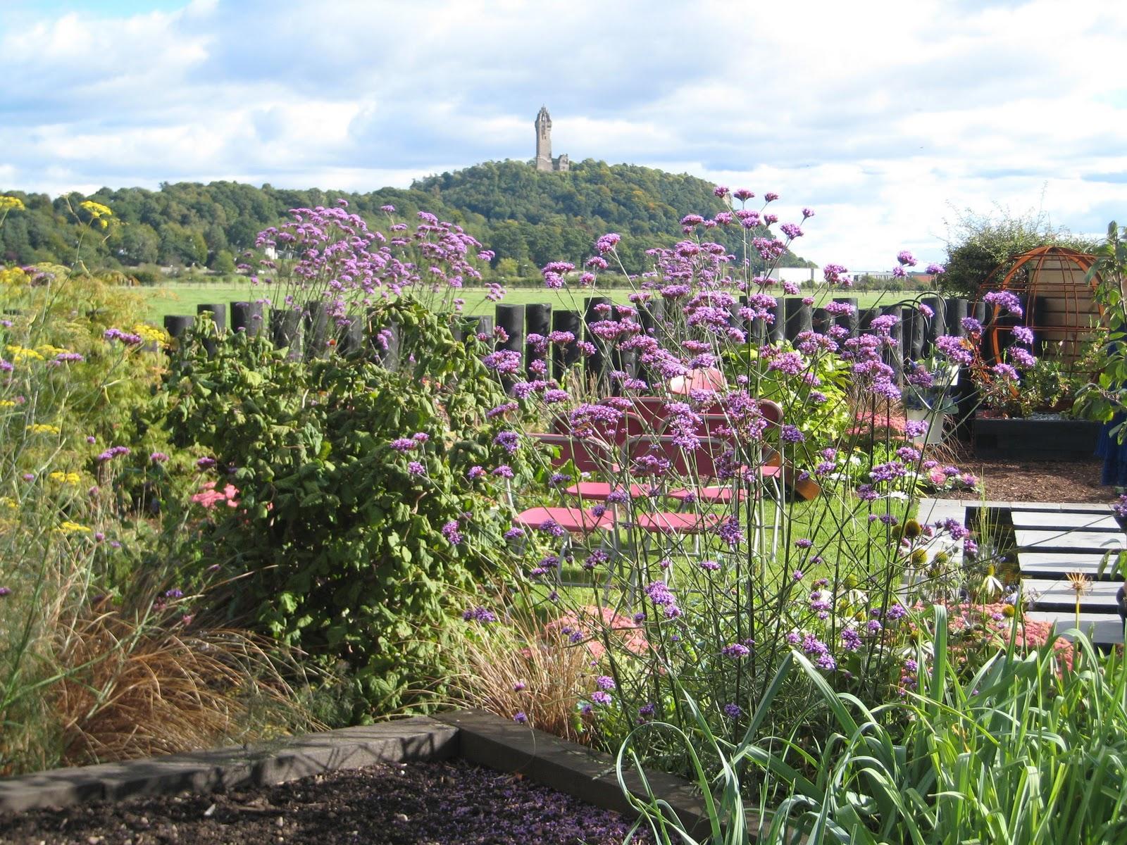 http://2.bp.blogspot.com/-Sb8o7ddN7s0/Tq0ddzoPbYI/AAAAAAAAAoQ/MtDUzSGGVKg/s1600/garden+weddingrev.jpg