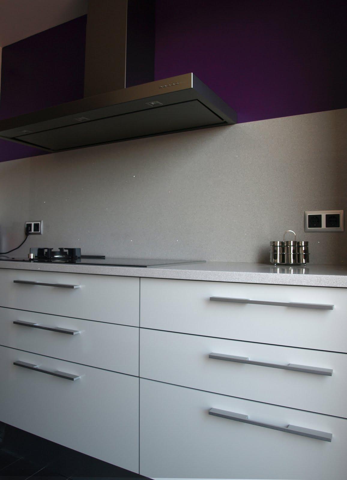 Cocina en paralelo con barra decoraci n - Barra cocina silestone ...