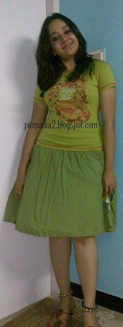 mallu malayalam actress chandra lakshman  hot rare claeavage show pic