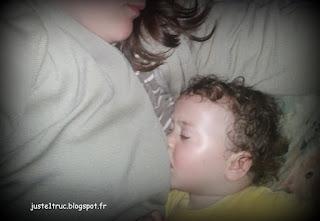 maternage allaitement allaiter cosleeping cododo sommeil bébé lit