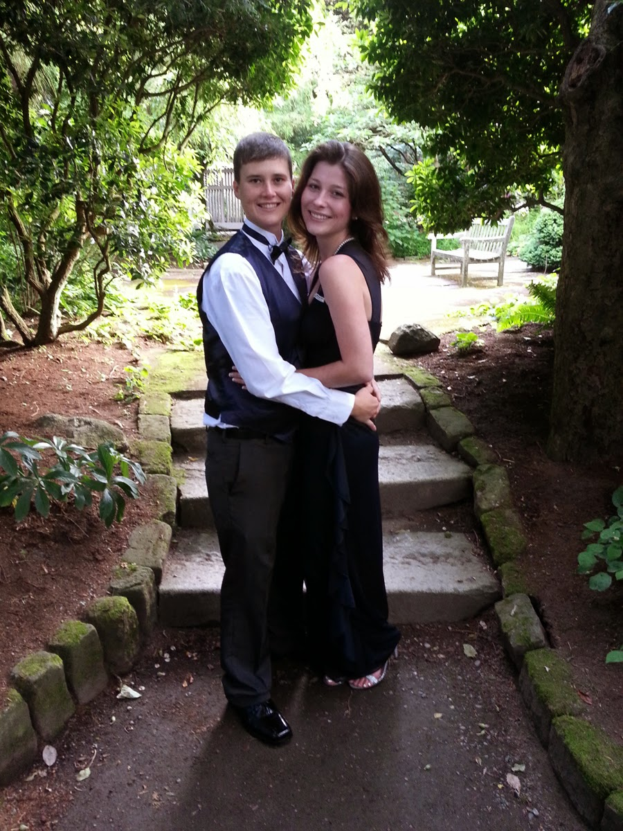 Melissa and Amber wed in Parsons Garden.  Patricia Stimac, Seattle Wedding Officiant.